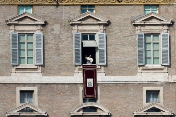 el-papa-desde-la-ventana